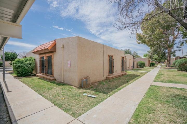 5968 W AUGUSTA Avenue, Glendale, AZ 85301