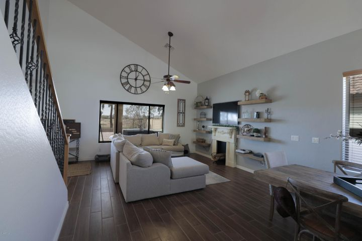 30952 N ZIRCON Drive, San Tan Valley, AZ 85143