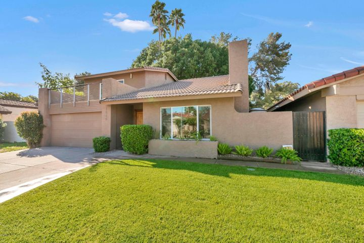 Gorgeous Home Located in The Lakes of Tempe