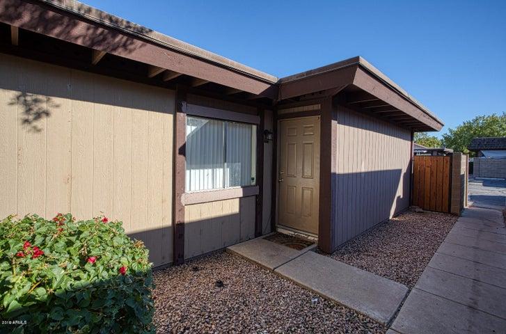 821 S CASITAS Drive S, B, Tempe, AZ 85281