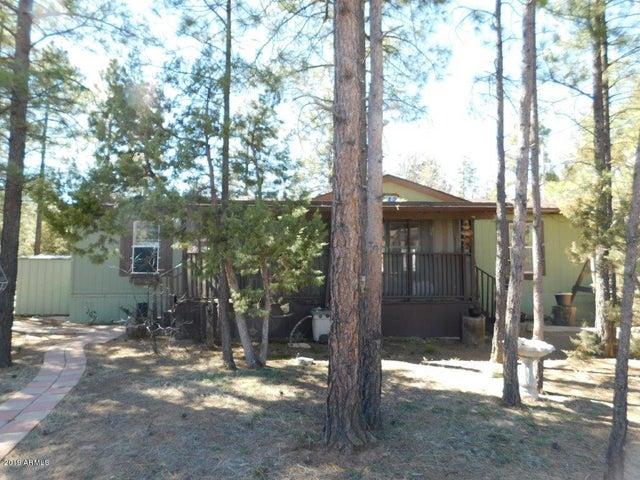 2712 BLACK BEAR Trail, Overgaard, AZ 85933