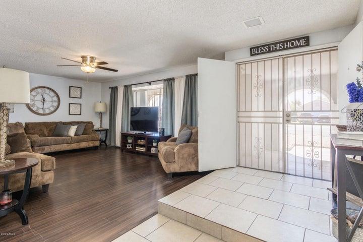 8408 W OSBORN Road, Phoenix, AZ 85037