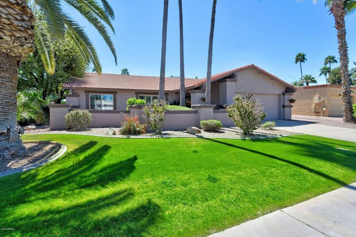 Gorgeous curb appeal in lovely McCormick Ranch.