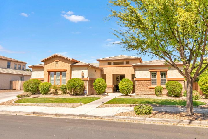 18632 E DRUIDS GLEN Road, Queen Creek, AZ 85142