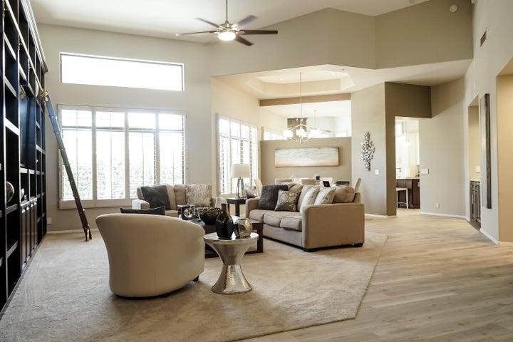 8325 E JENAN Drive, Scottsdale, AZ 85260
