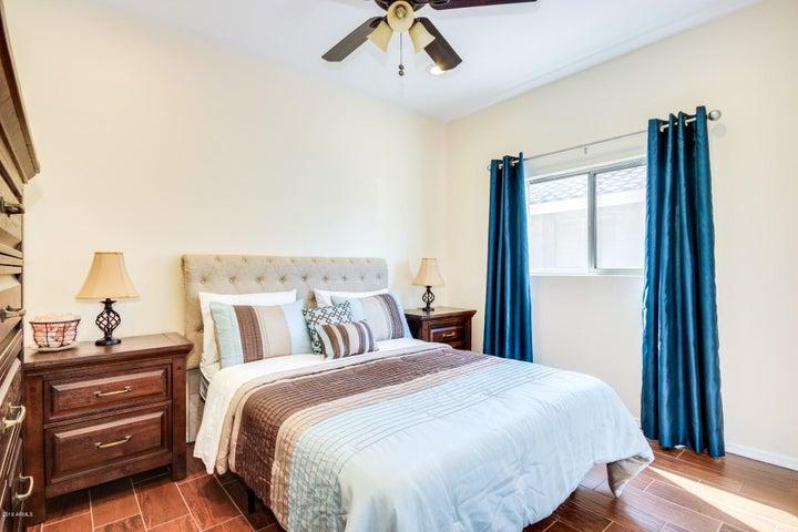 13809 W IRONWOOD Street, Surprise, AZ 85374