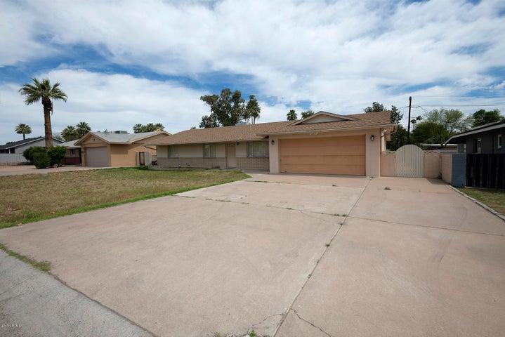 6837 N 14TH Drive, Phoenix, AZ 85013
