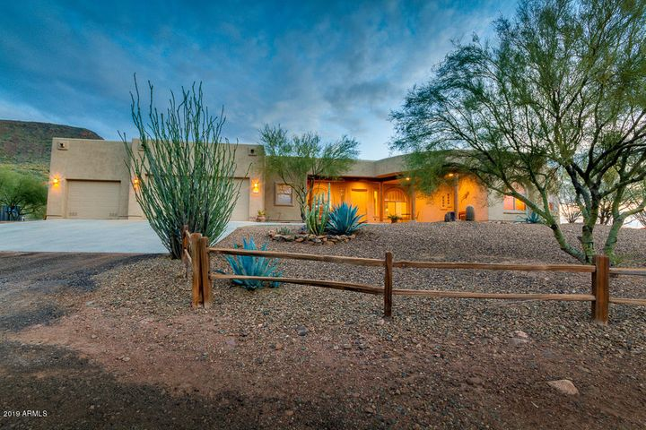 Beautiful home sitting in a valley with Mountain Views 360 degrees