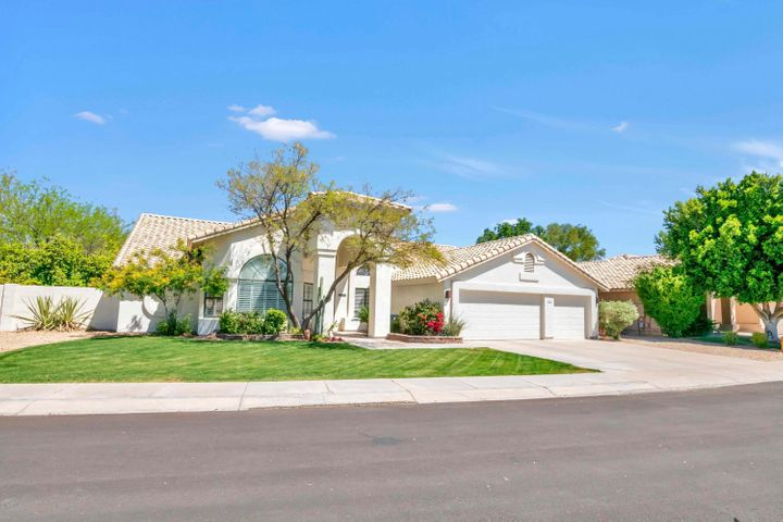 3640 W GOLDEN Lane, Chandler, AZ 85226