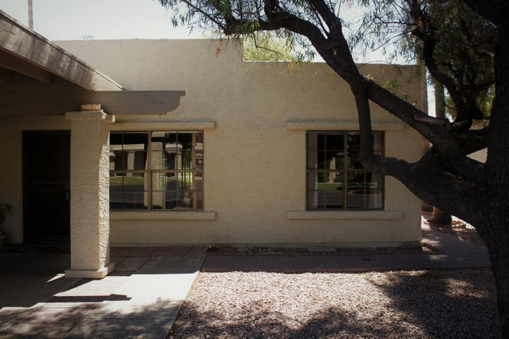 619 S DESERT FLOWER Drive, Mesa, AZ 85208
