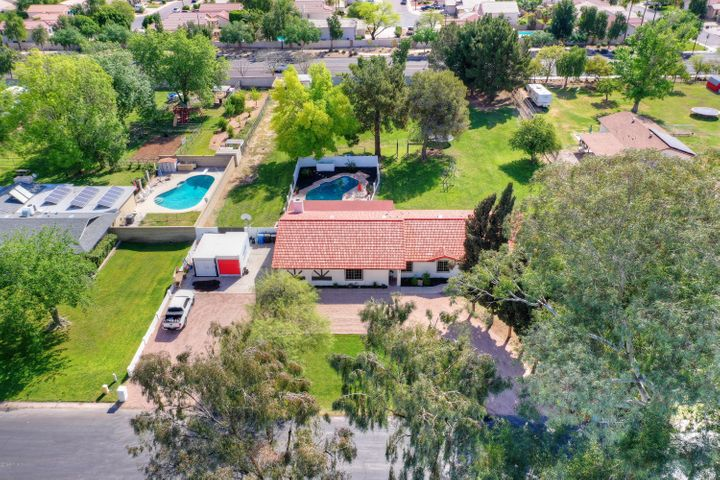 Full acre and 1/4 horse property