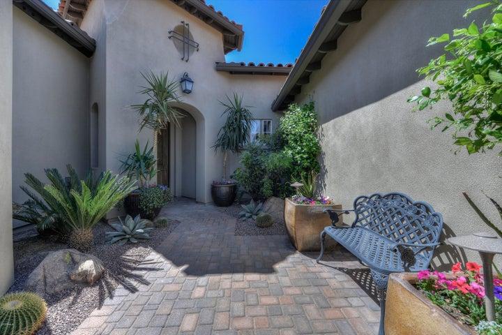 8967 E RUSTY SPUR Place, Scottsdale, AZ 85255
