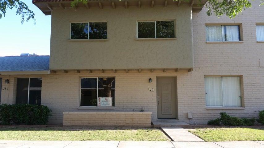 225 N STANDAGE, 29, Mesa, AZ 85201