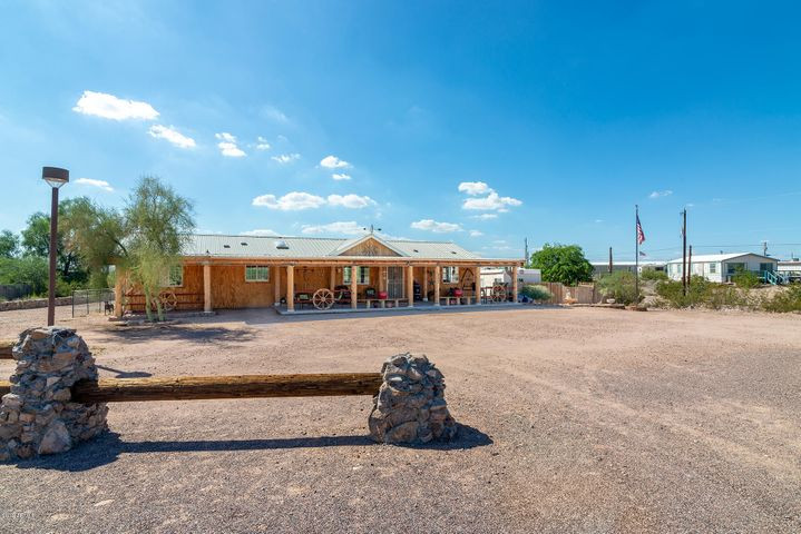 1420 S BOWMAN Road, Apache Junction, AZ 85119