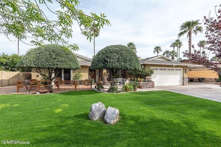 4938 E WINDROSE Drive, Scottsdale, AZ 85254