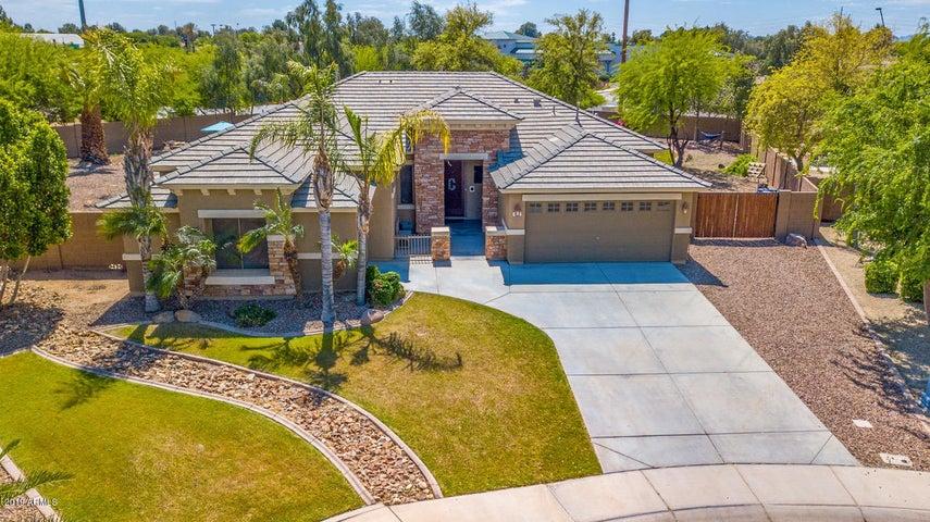 833 N Thunderbird Avenue, Gilbert, AZ 85234