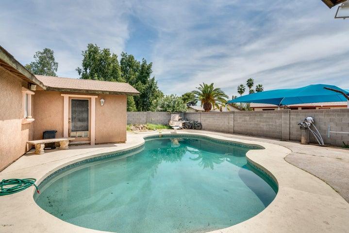 8627 W GLENROSA Avenue, Phoenix, AZ 85037