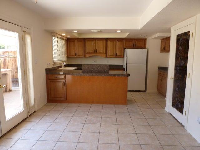 5871 N 83RD Street, Scottsdale, AZ 85250