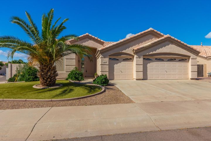 For Sale in Garden Lakes- 11610 W Laurelwood Ln, Avondale, AZ