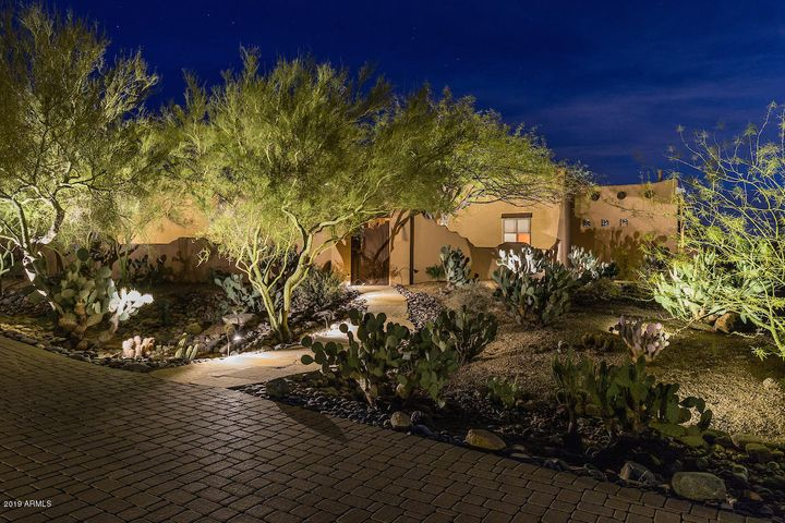 8821 E CAVE CREEK Road, Carefree, AZ 85377
