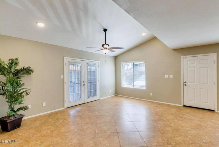 8024 N 48TH Avenue, Glendale, AZ 85302
