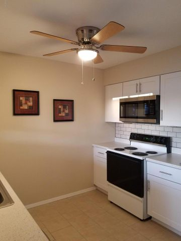 10571 W COGGINS Drive, Sun City, AZ 85351