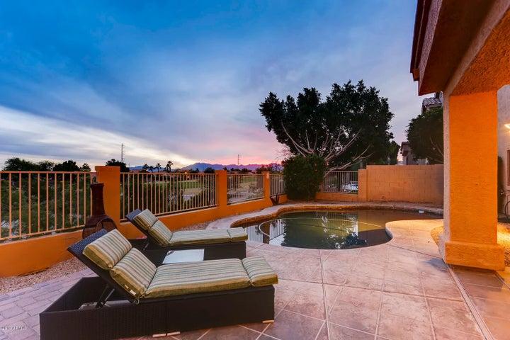 1613 E GLENHAVEN Drive, Phoenix, AZ 85048