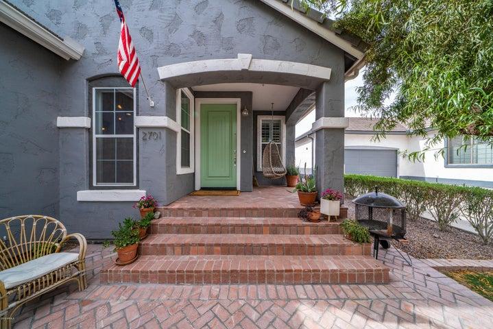 2701 E Hobart Street, Gilbert, AZ 85296