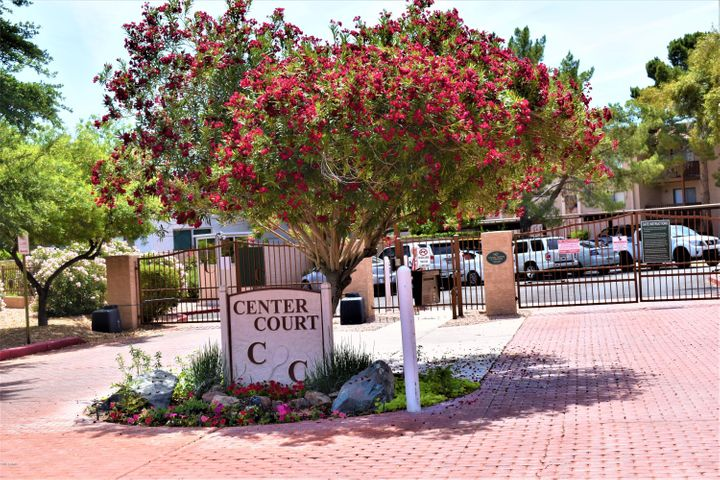 Center Court is the best kept secret in Old Town! Gated, Lush, Ammenity rich compex in the heart of Old Town!