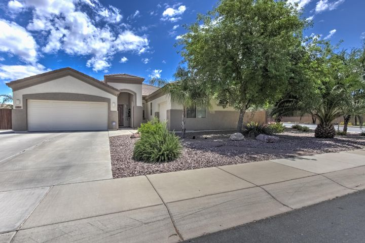 2285 S WHETSTONE Place, Chandler, AZ 85286