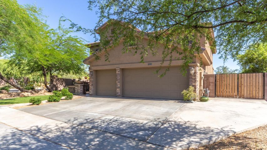 2405 W BARBIE Lane, Phoenix, AZ 85085