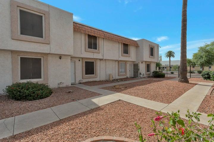 6138 W TOWNLEY Avenue, Glendale, AZ 85302