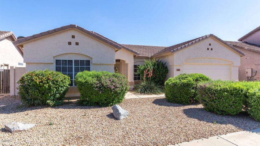 14813 W HONEYSUCKLE Lane, Surprise, AZ 85374