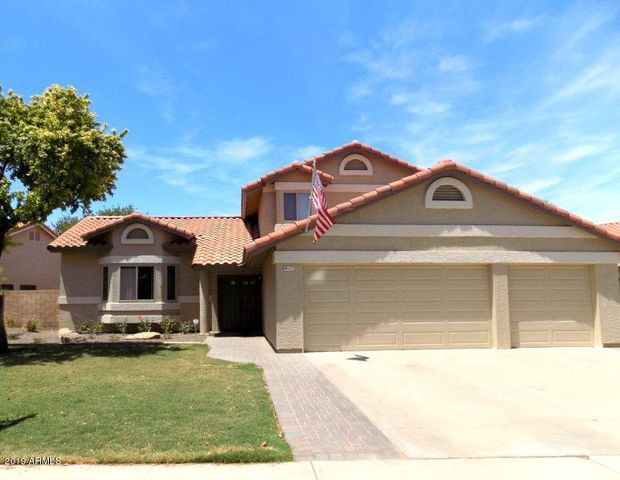 1402 N PEBBLE BEACH Drive, Gilbert, AZ 85234