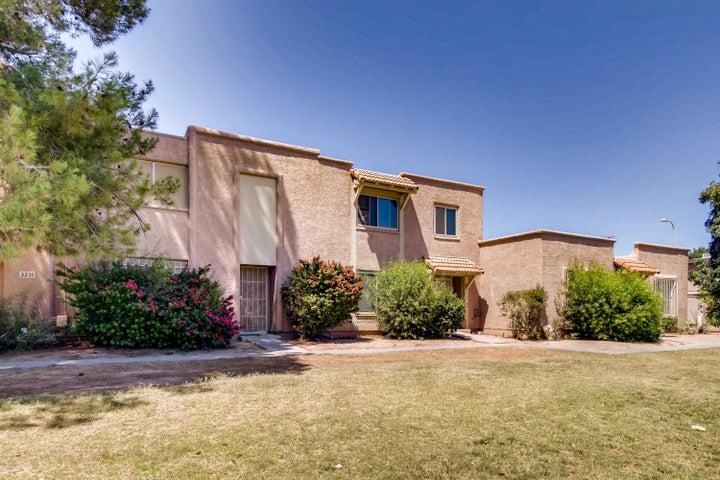 3215 W LAURIE Lane, Phoenix, AZ 85051