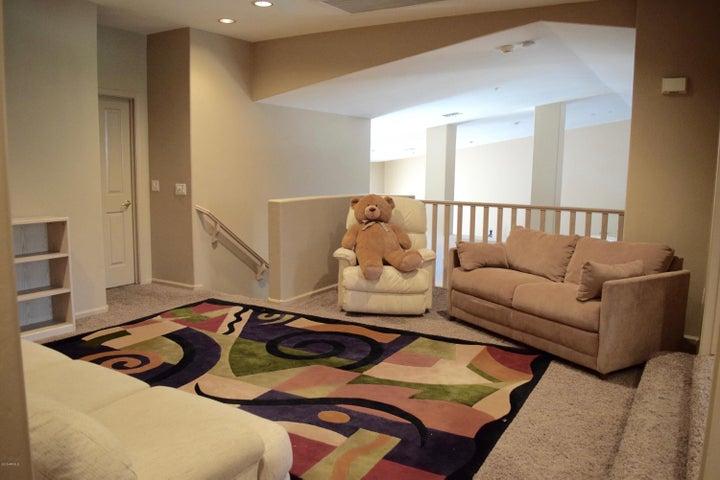 Common area: 2nd floor