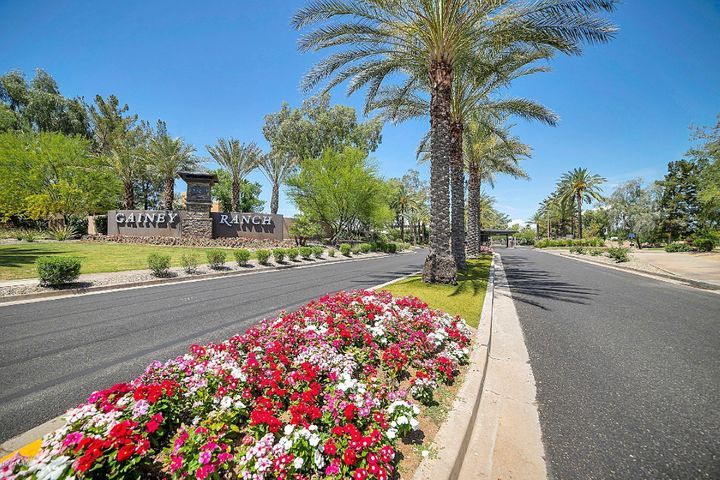 GAINEY RANCH IN THE HEART OF SCOTTSDALE!