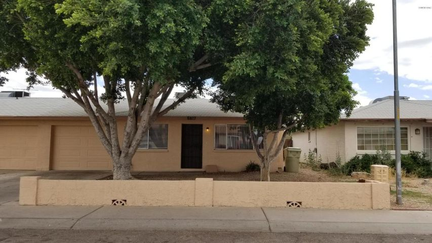 Twin Home; Two Large Ficus Shade Trees; 1-Car Garage