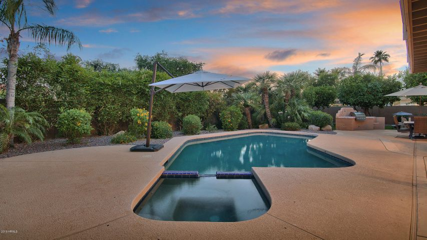 10689 E MISSION Lane, Scottsdale, AZ 85258
