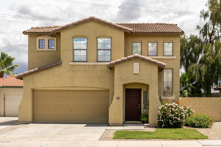 5174 W Shaw Butte Drive, Glendale, AZ 85304