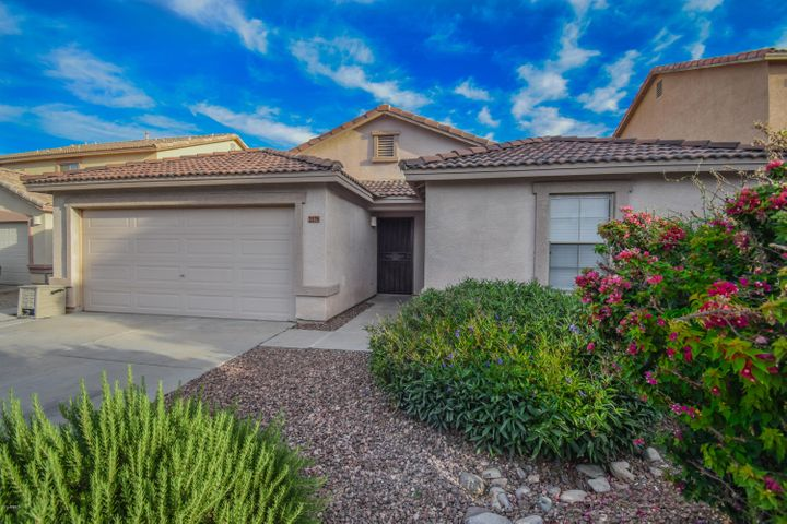 2179 E HAFLINGER Way E, San Tan Valley, AZ 85140