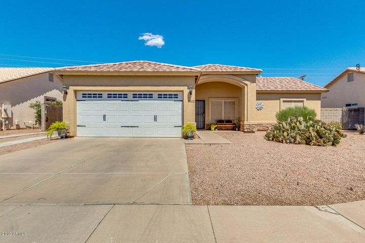 Right in the heart of Casa Grande. Short distance to shopping in any direction.