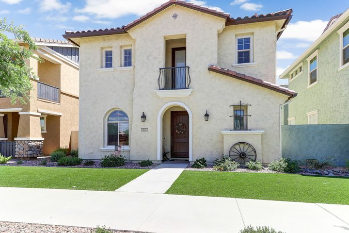 Welcome home! Great curb appeal