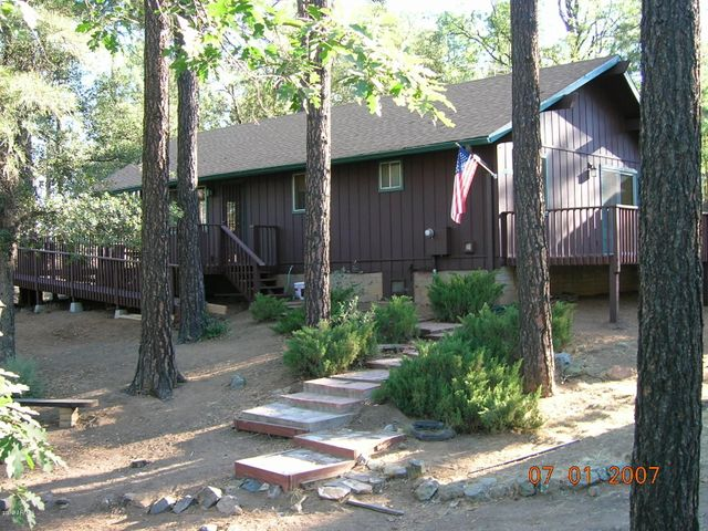 Cabin in the tall pines