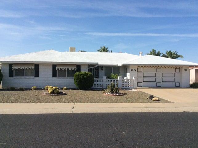 9719 W BROKENSTONE Drive, Sun City, AZ 85351