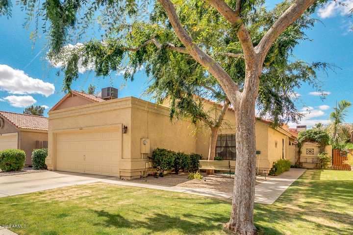 4431 E AMBERWOOD Drive, Phoenix, AZ 85048