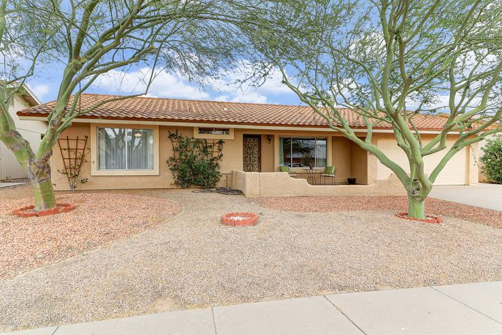 5042 E SUMMER MOON Lane, Phoenix, AZ 85044