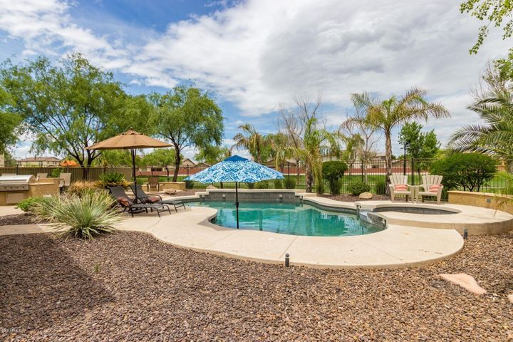 1154 E EUCLID Avenue, Gilbert, AZ 85297