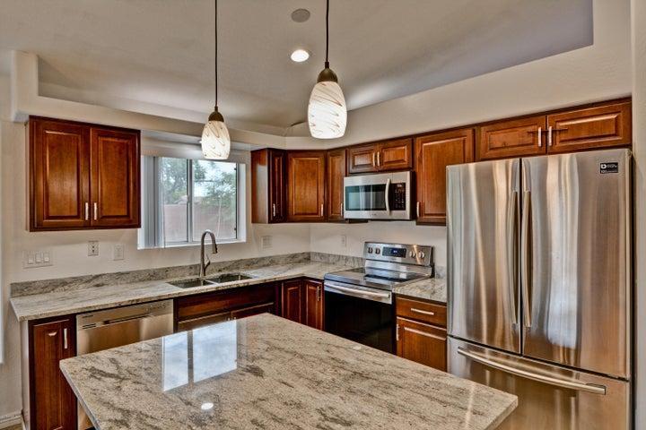 2754 E HARTFORD Avenue, Phoenix, AZ 85032