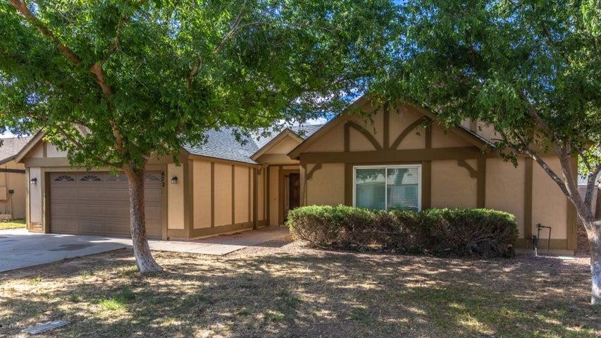 672 E ESTRELLA Drive, Chandler, AZ 85225